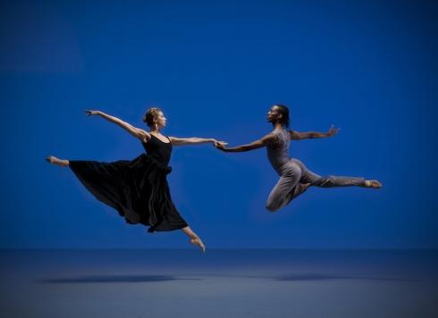Artists of Rambert Dance Company in Paul Taylor's Roses. Photo: Hugo Glendinning / Rambert Dance Company ©