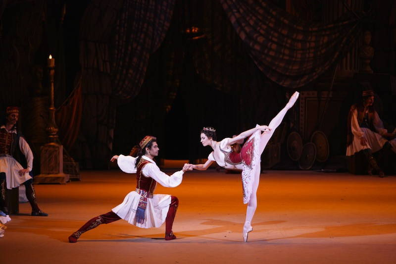 Maria Alexandrova as Medora and Nikolai Tsiskaridze as Conrad in Le Corsaire. Photo: Damir Yusupov / Bolshoi Theatre ©