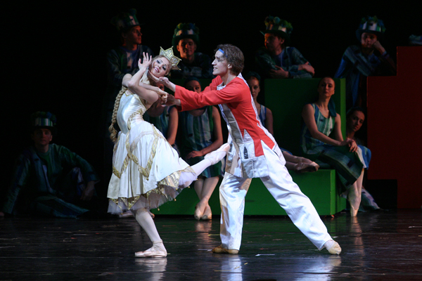 Alina Somova and Denis Matvienko in Ratmansky's The Little Hunchbacked Horse. Photo: Natasha Razina / Mariinsky Theatre ©
