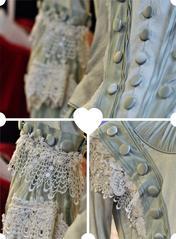 Details - Alice's Mother's Costume