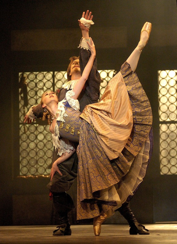 Elisha Willis and Robert Parker in Cyrano