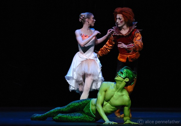 Sarah Lamb as Princess Rose, Federico Bonelli as the Salamander Prince and Valentino Zucchetti as the Fool in The Prince of the Pagodas