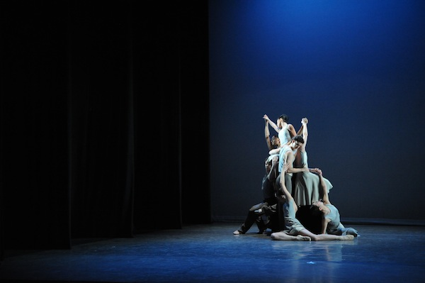 Artists of Birmingham Royal Ballet in Jessica Lang's Lyric Pieces