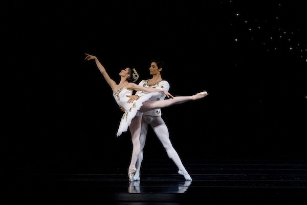 Vanessa Zahorian and Davit Karapetyan in Balanchine's Diamonds