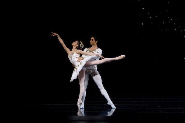Vanessa Zahorian and Davit Karapetyan in Balanchine's Diamonds