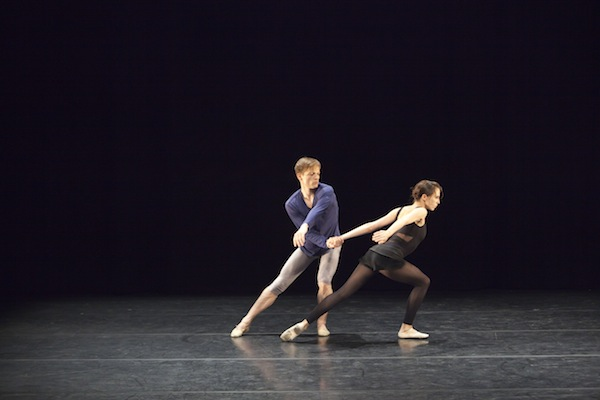Thomas Whitehead and Itziar Mendizabar in Entropy