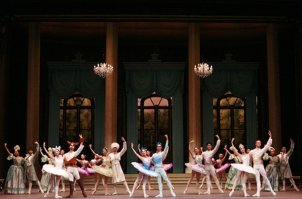 Artists of SDT in Act III of The Sleeping Beauty. Photo: © Dennis Ng / SDT
