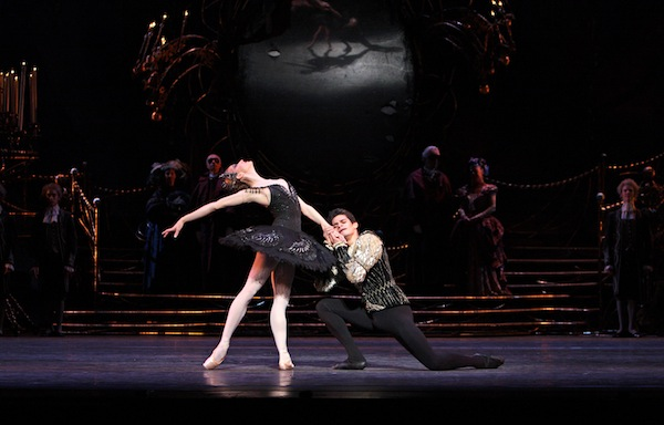 Marianela Nuñez and Thiago Soares in Swan Lake