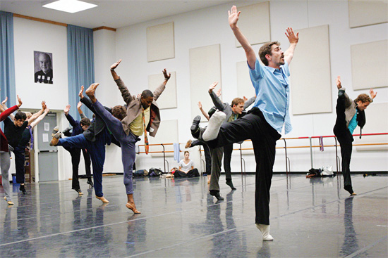 Houston Ballet rehearses Play