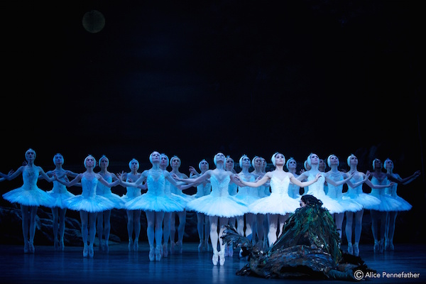 Artists of English National Ballet in Swan Lake
