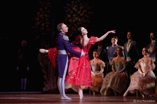 Natalia Osipova and Benneg Gartisde in Onegin