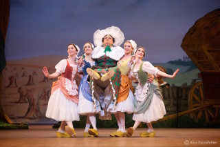Artists of The Royal Ballet in La Fille Mal Gardée