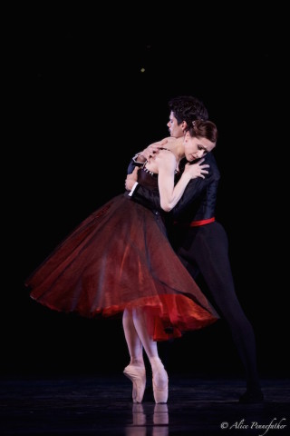 Marianela Núñez and Thiago Soares in Robbins' In the Night.