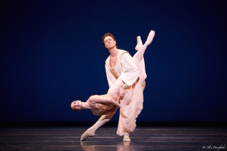 Lauren Cuthbertson and Matthew Golding in Balanchine's Tchaikovsky Pas de Deux