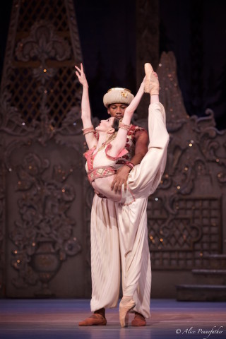 Olivia Cowley and Eric Underwood in the Arabian Dance