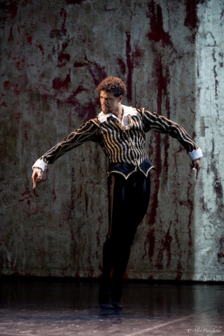 Carlos Acosta in Will Tuckett's Elizabeth