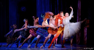 Amber Scott as Cinderella and Artists of the Australian Ballet