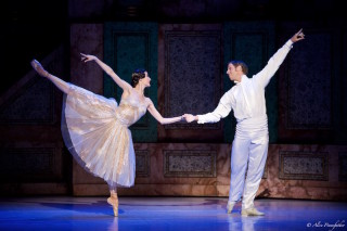 Ty King-Wall and Amber Scott in Ratmansky's Cinderella.