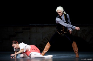 Kristina Kretova as Jeanne and Semyon Chudin as the Marquis Costa de Beauregard in Flames of Paris