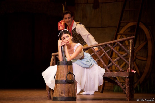 Yuhui Choe as Lise and Valentino Zucchetti as Colas in La Fille Mal Gardée