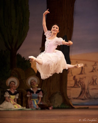 Yuhui Choe as Lise in La Fille Mal Gardée