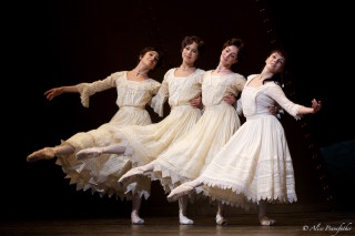 Natalia Osipova as Anastasia with Olivia Cowley, Beatriz Stix-Brunell and Yasmine Naghdi