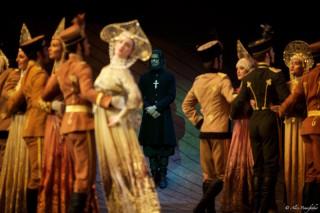 Thiago Soares as Rasputin with Artists of the Royal Ballet in MacMillan's Anastasia