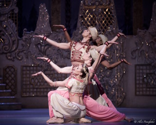 Tierney Heap, Fernando Montano and David Donnelly in the Arabian Dance