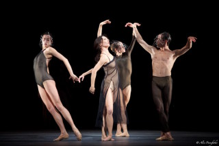 Mara Galeazzi, Ryo Hirano and Artists of The Royal Ballet in Woolf Works.