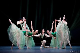 Beatriz Stix-Brunell, Laura Morera, Anna Rose O'Sullivan, Helen Crawford, Valeri Hristov, James Hay and Ryo Hirano in Emeralds