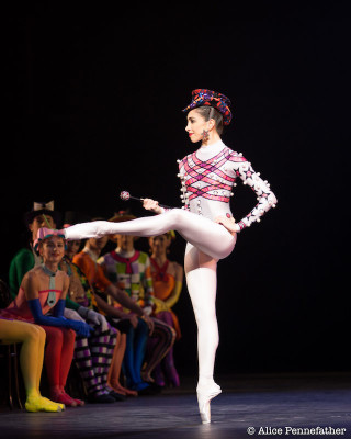 Yasmine Naghdi in Elite Syncopations