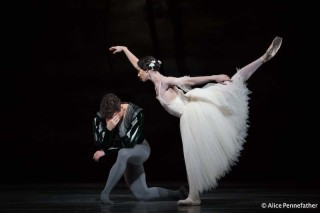 Alexander Campbell as Albrecht and Francesca Hayward as Giselle