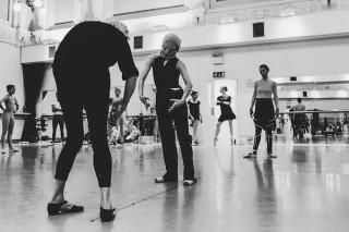 Diana White rehearses Jurgita Dronina and Begoña Cao.