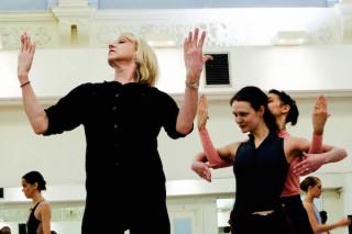 Diana White rehearses Jurgita Dronina and Begoña Cao