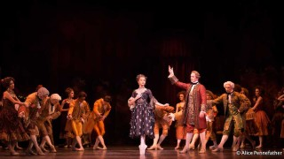 Francesca Hayward, Christopher Saunders and Artists of The Royal Ballet in Manon