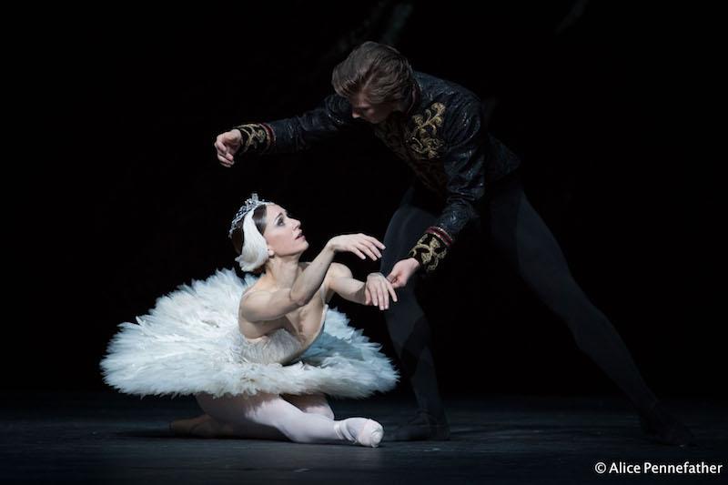 Marianela Núñez as Odette, Vadim Muntagirov as Prince Siegfried