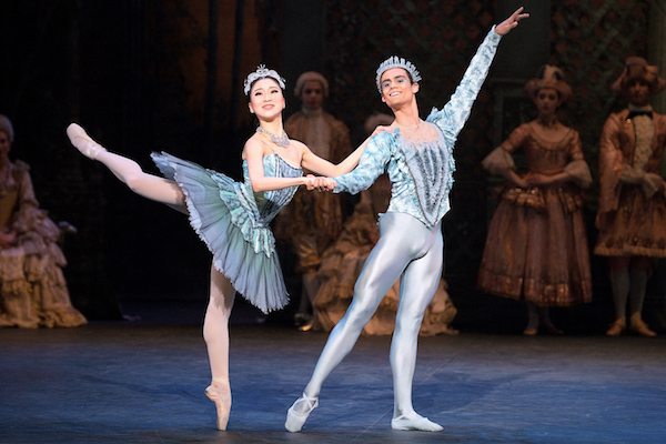Rina Kanehara and Daniel McCormick as Princess Florine and the Bluebird