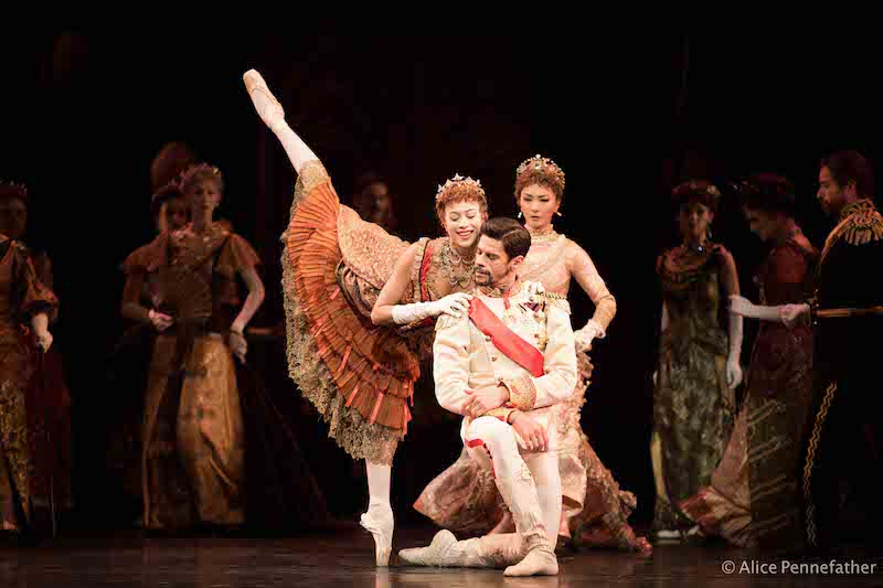 Beatriz Stix-Brunell, Thiago Soares, Yuhui Choe and Artists of The Royal Ballet.