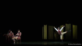 Thiago Soares as Prince Rudolf, Lauren Cuthbertson as Mary Vetsera and Marcelino Sambé as Bratfisch