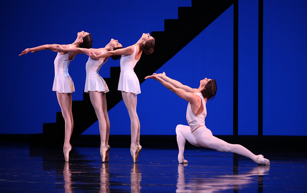 Xander Parish as Apollo with Maria Khoreva, Anastasia Nuikina and Daria Ionova.