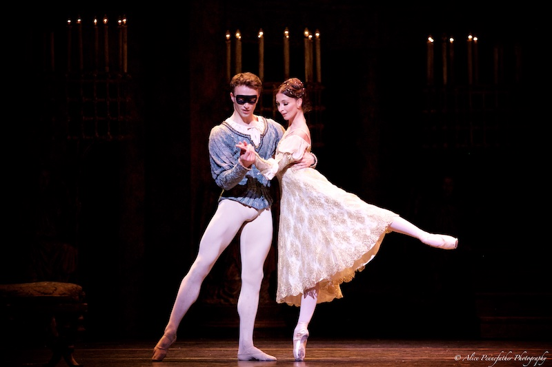 Matthew Ball as Romeo and Lauren Cuthbertson as Juliet.