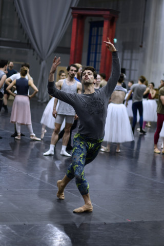 James Forbat in rehearsal. with Artists of English National Ballet.