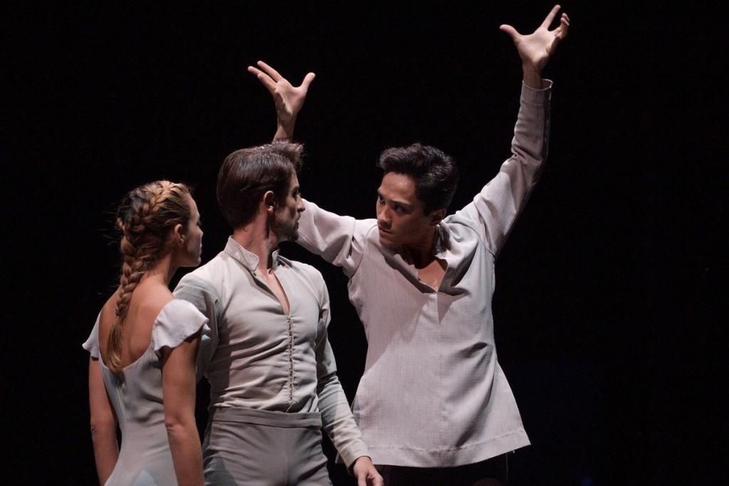 Jeffrey Cirio as Hilarion with Fernanda Oliveira and Fernando Bufalá in Akram Khan's Giselle.